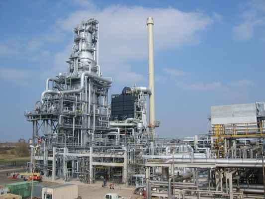 Wärme- und Schallisolierungen in einer Raffinerieanlage